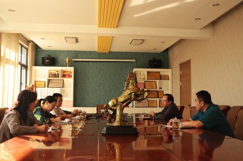 中国环境日报记者到金马首采访