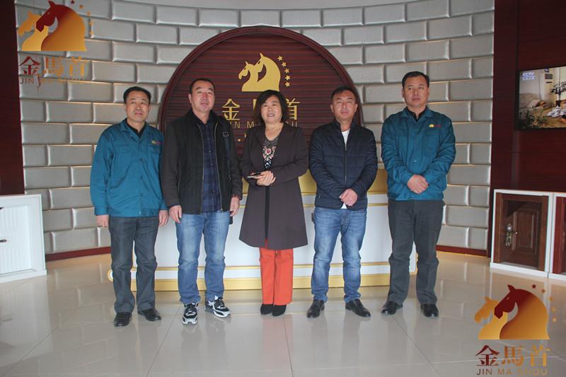 山东木门厂家金马首用质量说话山西大同任经理成功签约木门加盟金马首