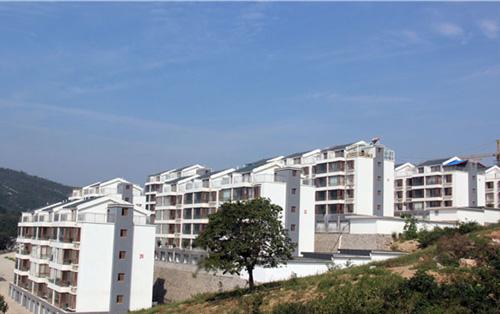 淄博原山集团公寓楼木门项目
